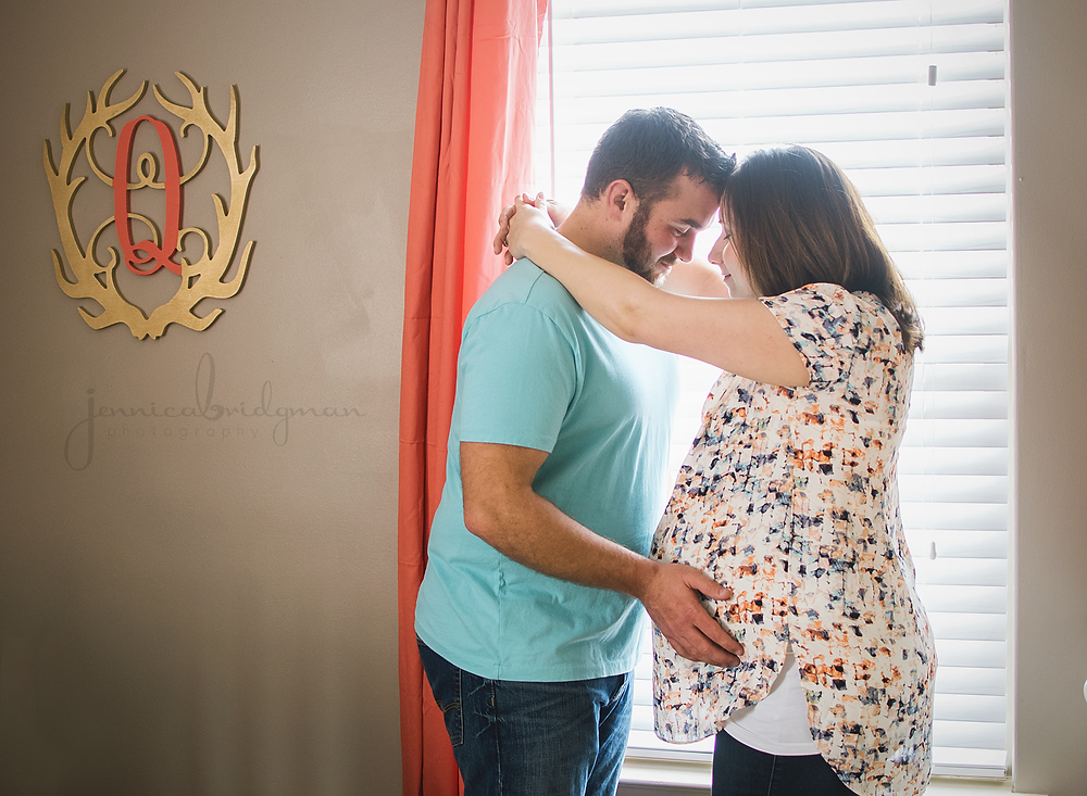 Lifestyle In-Home Maternity Session | Johnson Family | Conway, AR Maternity Photographer