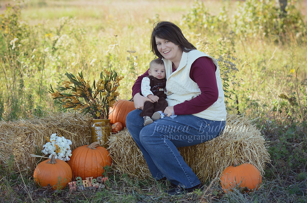 Haybales and Pumpkins | Fall Mini-Sessions | Conway, AR Photographer