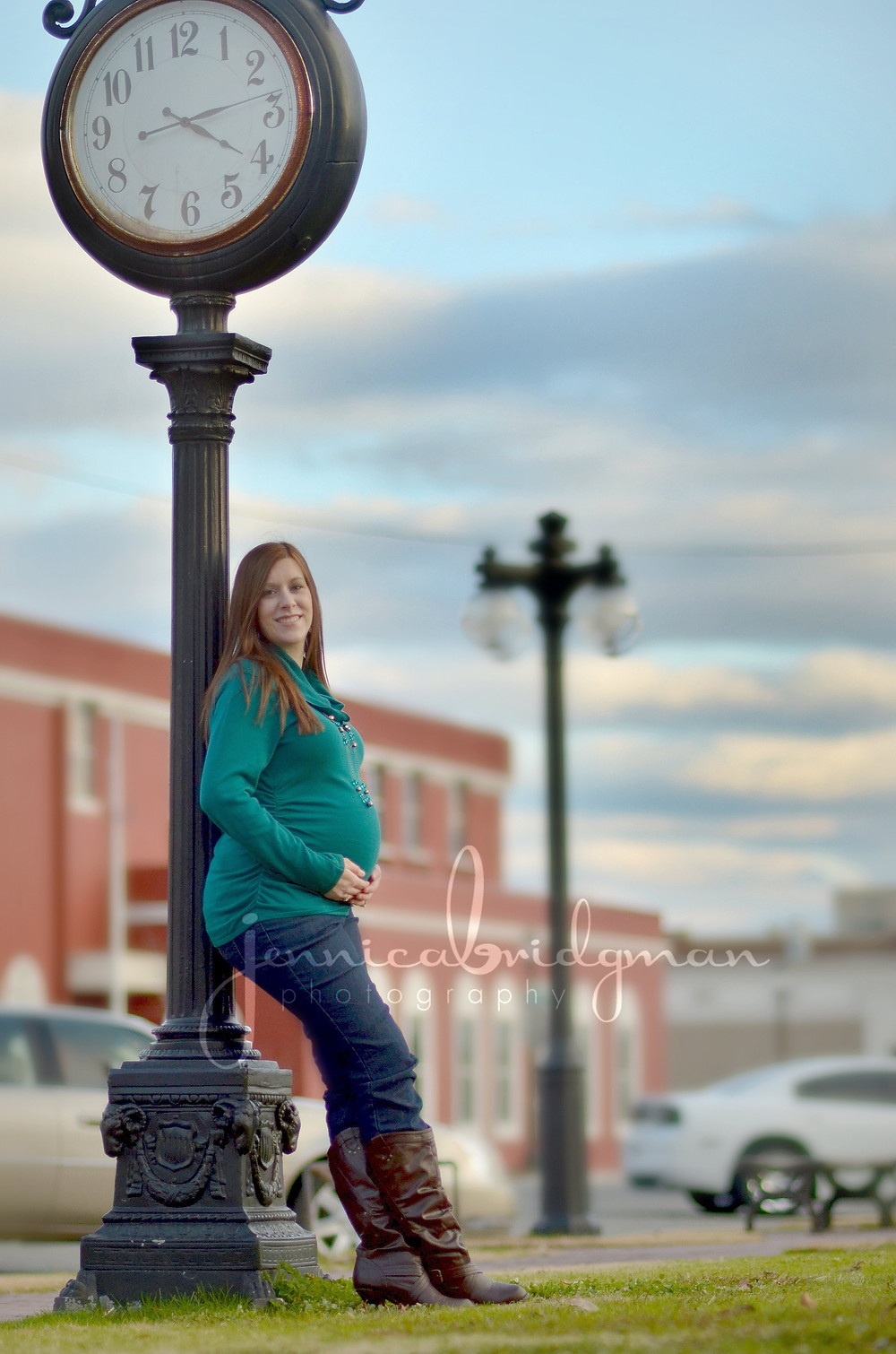 Downtown Conway Maternity Session    Conway, AR Maternity Photographer