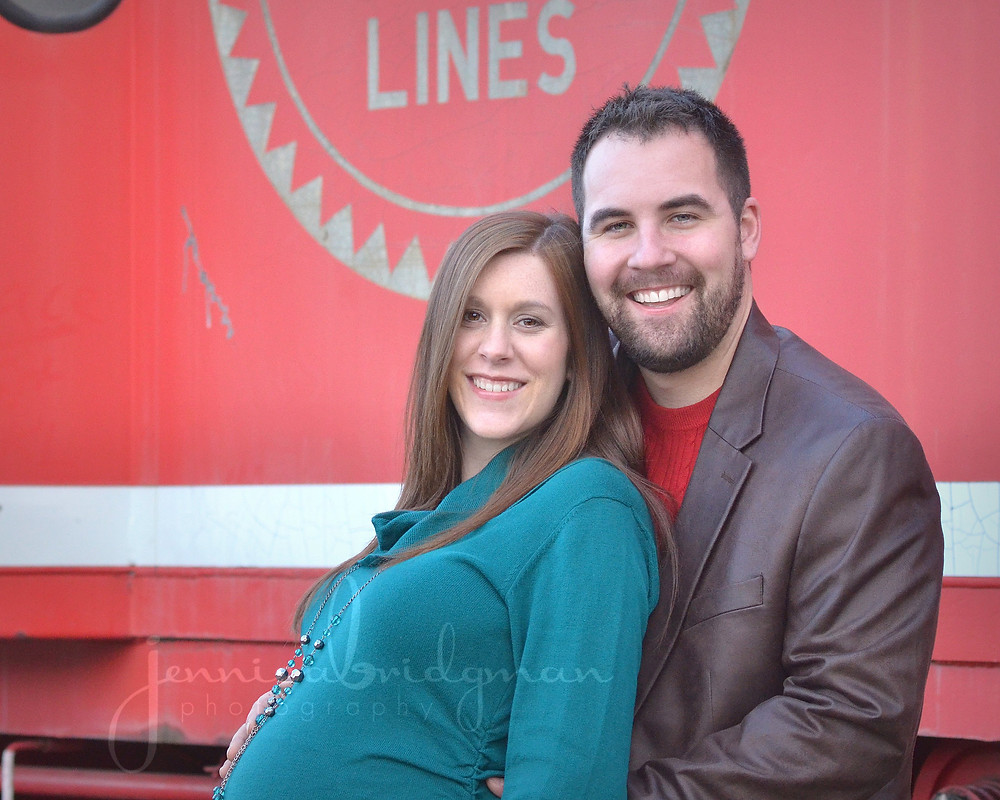 Downtown Conway Maternity Session  | Conway, AR Maternity Photographer