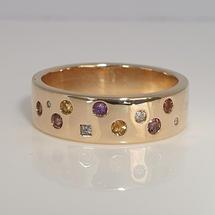 14K antique gold Autumn-coloured multi-stone punch-set dress ring