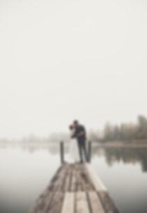 Als professionelles Hochzeitsfotografen Team begleiten wir eure Hochzeit mit Herz & Seele. Ihr könnt diesen Tag in vollen Zügen geniessen, denn ihr könnt sicher sein, traumhafte Hochzeitsfotos zu erhalten.  Mit unserer sehr langjährigen Erfahrung in der Hochzeitsfotografie können wir euch einen umfassenden Service anbieten. Durch unsere stetige Weiterbildung, dem neuesten Equipment und dem freundschaftlichen Umgang könnt ihr euch ganz gelassen auf euren grossen Tag konzentrieren. Was wir nicht mögen? Langweilige, gestellte Hochzeitsfotos. Wir stehen auf coole, moderne Fotos die euch und eure Freunde begeistern werden. Wedding. Hochzeit. Paare. Fotoshootig. Schönster Tag. Hochzeitsfotografie. Weddingphotgraphy