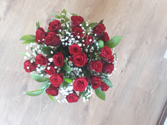 Red roses & gyp bouquet - fresh flowers