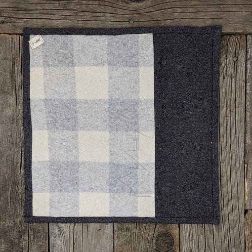 Sitteunderlag -grey squares