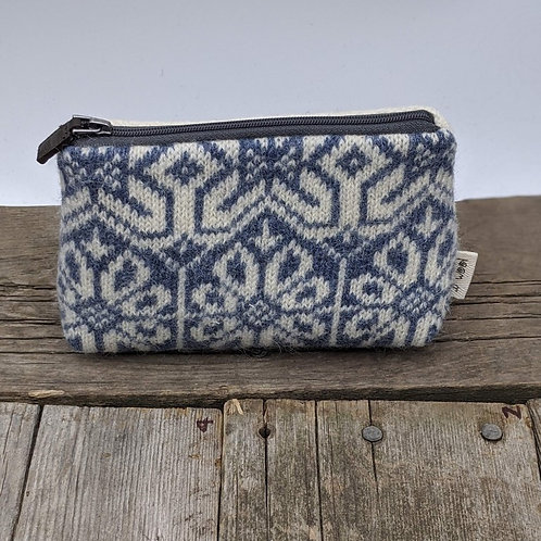 Small Zip Case - Nordic Blue and Tiny Cables