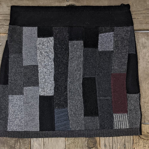 Strip Pieced Grey/Burg - L+