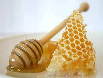 There's more to honey than just sweet. Health benefits of honey.