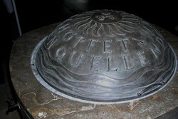 Detail_(2)Weihwasserdeckel,_Kirche_St.Wolfgang_Nürnberg,_Bronze