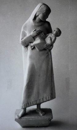 Mutter mit Kind, Entwurf in Gips, 45 cm