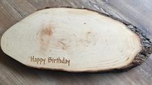 Individuelle Veredelung von Holzbrettern - ein schönes Geschenk
