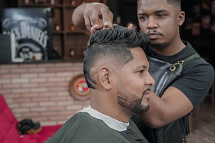 Barbearia em Guarulhos - Eliseu - Barba Branca