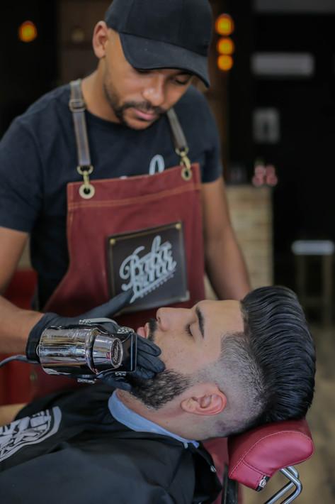 Barboterapia em Guarulhos - Barba Branca Barbearia