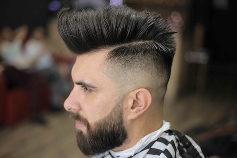 barba bem feita? deixa com a barba branca barbearia