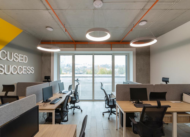 Яркий акцент в дизайне офиса