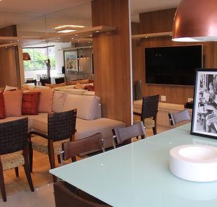 sala de estar e jantar decorada. apartamento