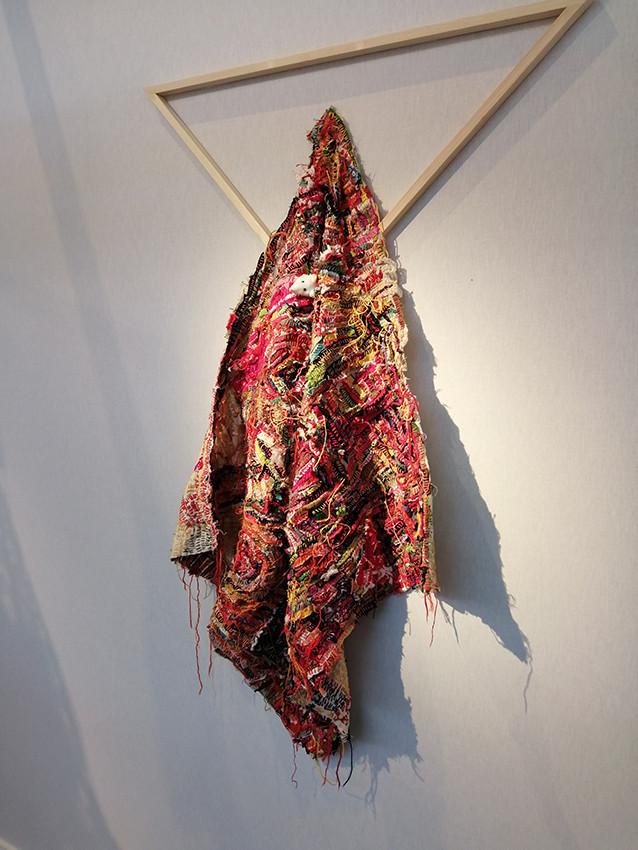 Georgina Maxim, 2019, Hands in the cookie jar, textile et technique mixte, 124 x 74 cm