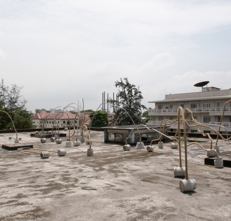 Temitayo Ogunbiyi , 2019, You will find playgrounds among palm trees, acier, métal, béton, dimensions variables. Installation pour la Biennale de Lagos
