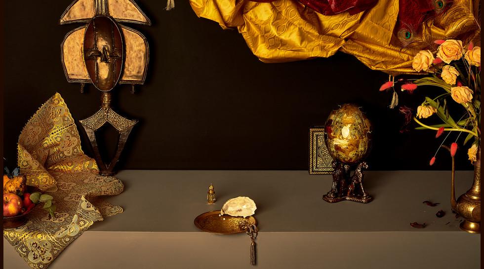 Maya-Inès Touam 2021, Retable, série REPLICA, Délices du temps, dimension fermé 70 x 105 cm et ouvert 70x210 cm, tirage papier pearl Hahnemühle, édition de 3