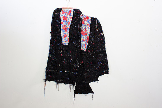 Georgina Maxim, 2020, Ane mweya wemadzinza (She has a family curse), textile et technique mixte, 195 x 150 cm