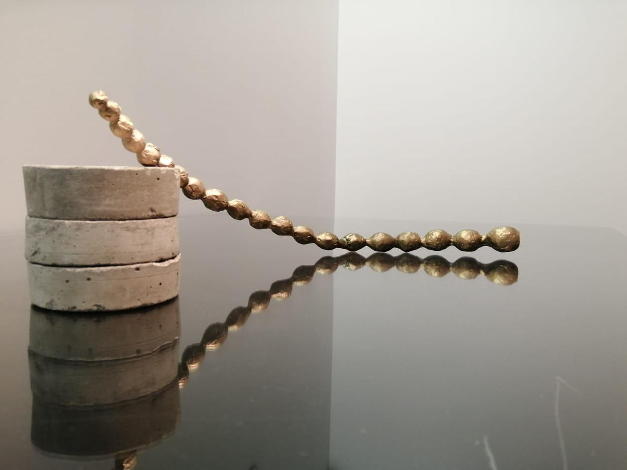 Temitayo Ogunbiyi, 2019, Sans titre, métal, 52 x 15 x 15 cm - exemplaire unique