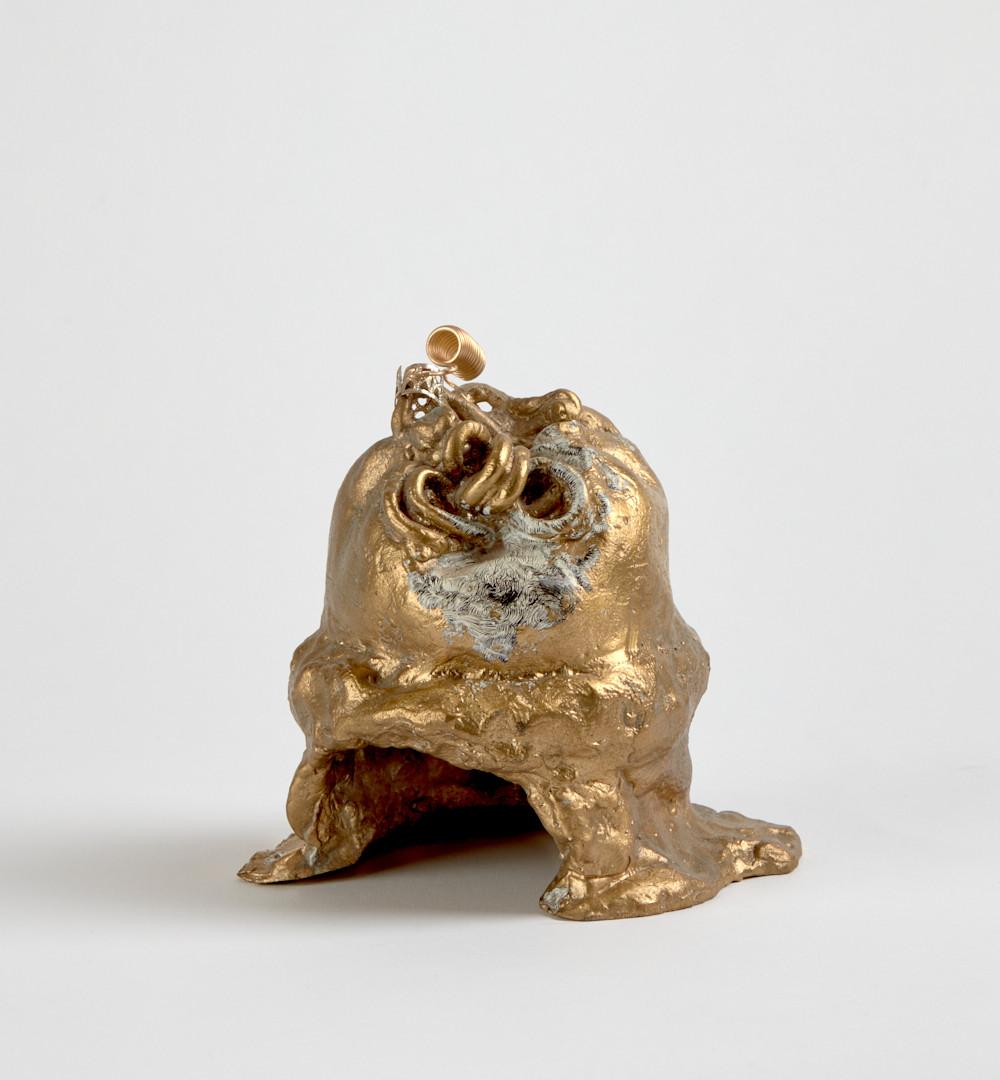 Temitayo Ogunbiyi, 2020, Sans titre 1/3, email et encre résinée sur alliage métallique, 14 x 12 x 14 cm