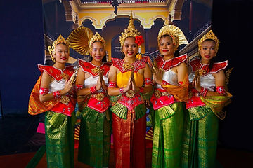Traditional Thai women