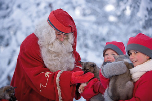 santa-elves-and-husky-pups-rovaniemi-1.j