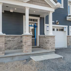 208 Atima: 4 Bedroom End Unit Row Town Home (Barrhaven, Ottawa)