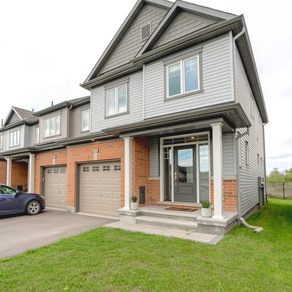 225 Mountain Sorrel Way: 3 Bedroom End-Unit Town Home (Orleans, Ottawa)