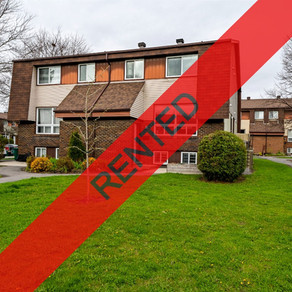 52 Pixley Private:  2-Bedroom+ Den Townhome (Riverview Park, Ottawa)