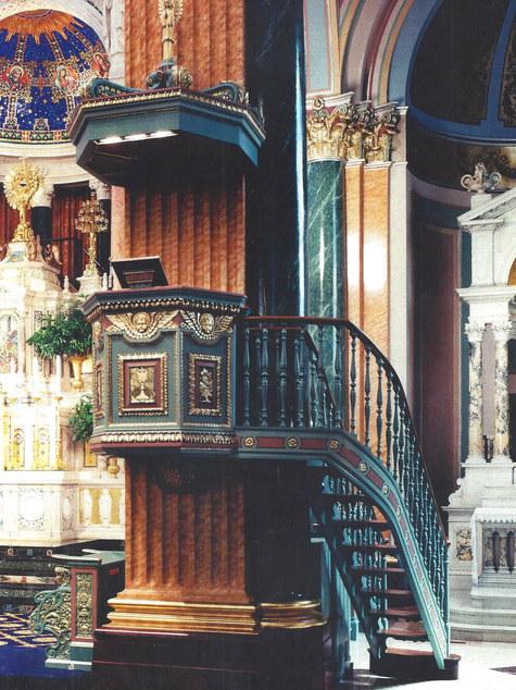 Decorative Finishes of Ornamental Moldin