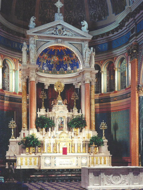 Altar Area SJBC 1.jpg
