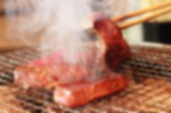 焼肉にはおしゃれでスタイリッシュな食事用エプロン