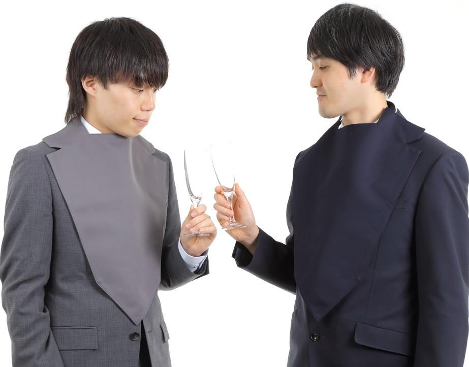 男性2人_ネイビー_グレー乾杯.jpg