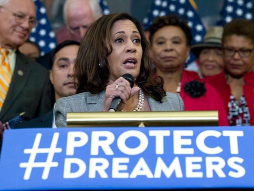 La vicepresidenta Kamala Harris se reúne con Dreamers y Activistas en el 9° Aniversario de DACA