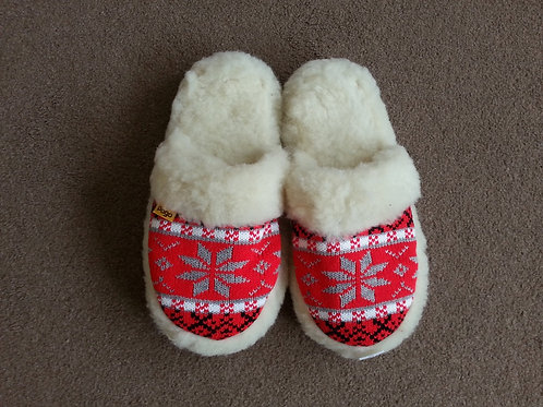 Ladies woolen slippers open back