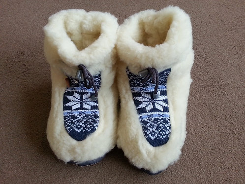 Mens woolen slippers