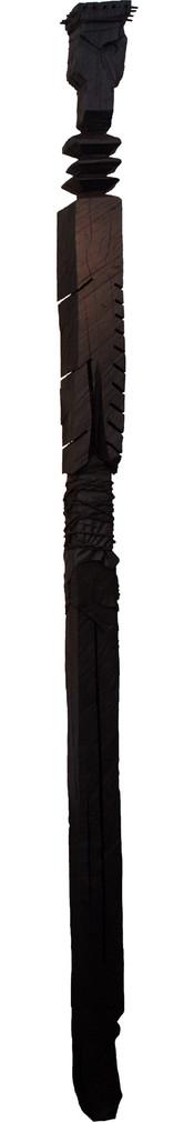 Wächter VI · Eiche, Leder, Rupfen, bemalt (Wandobjekt) · 2012 · H 320 | B 16 | T 16 [cm]