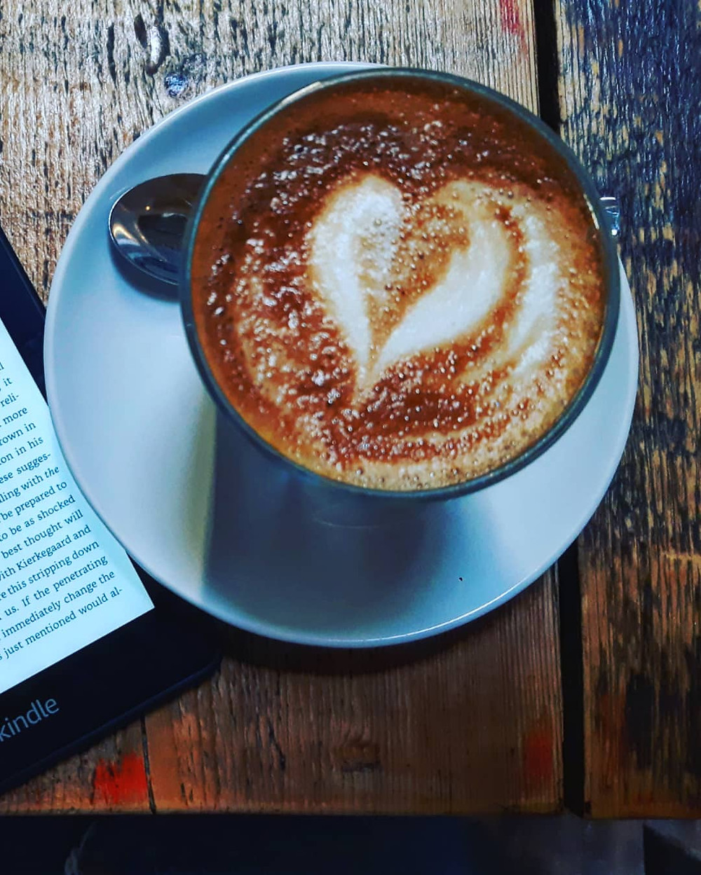 zivile kasparaviciute, vagabond, london, islington, islington coffee shop, art in islington, coffee roasters, london coffee, lithuanian artist, lietuviu menininkai