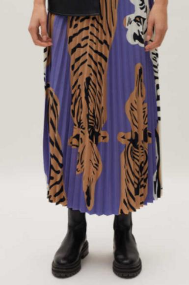 Pleated purple skirt