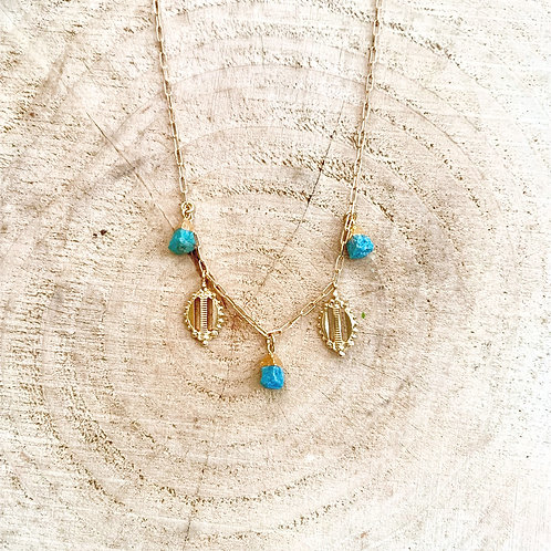 Dear Charlotte Vintage Necklace with Turquoise stones