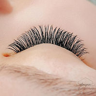Lashes make  e v e r y t h i n g  better