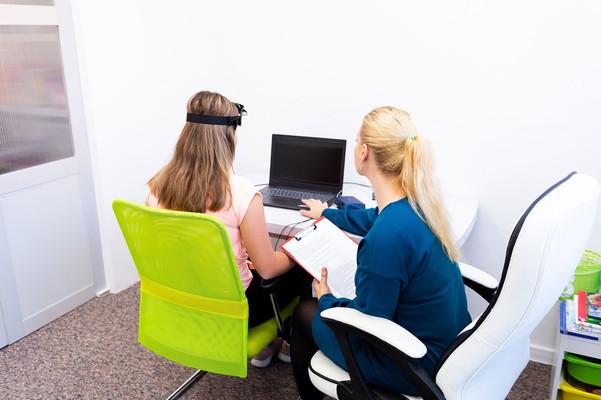 neurofeedback-therapy-min.jpg