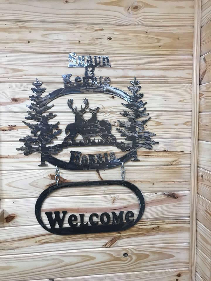 Harris Welcome Deer Sign