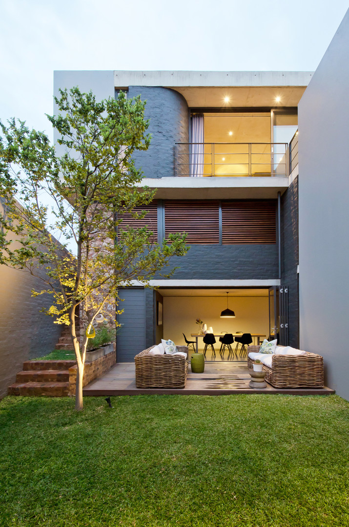 COURTYARD HOUSE