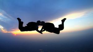 13 pomysłów na prezent dla skydivera