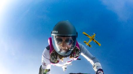 Skoki spadochronowe - czy warto ryzykować życie dla zabawy?