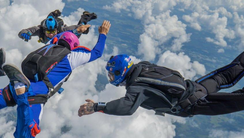 fot. skydiveratings.com