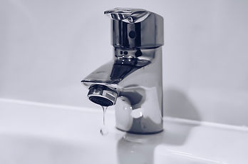 gray%20stainless%20steel%20faucet_edited