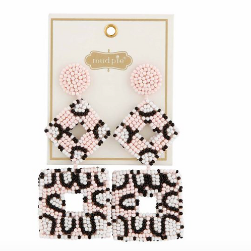 LEOPARD BEADED EARRINGS IN BLUSH